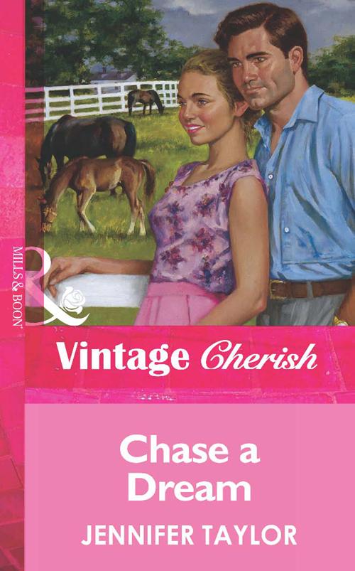 цена на Jennifer Taylor Chase a Dream