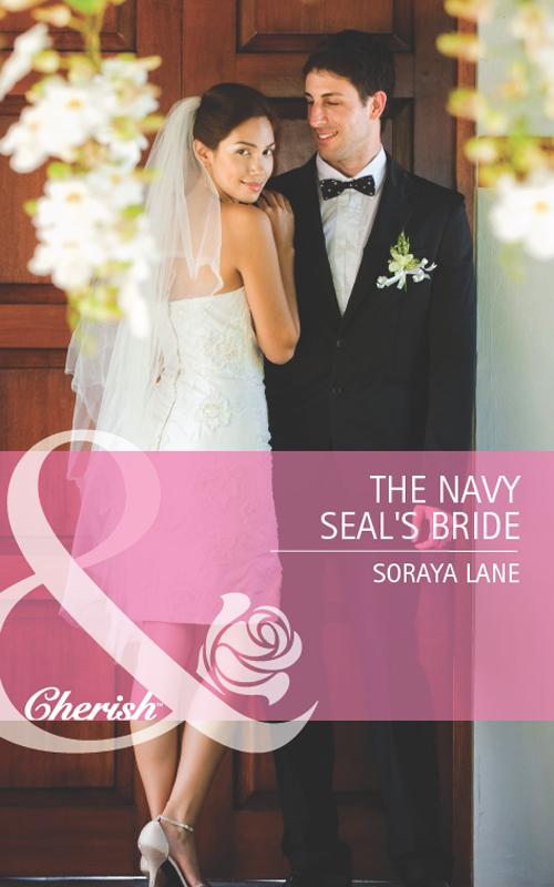 Фото - Soraya Lane The Navy Seal's Bride active cut out elastic vest in navy